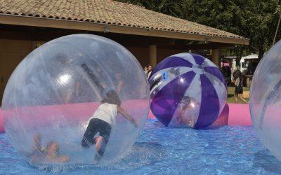Jean Seunes - Cabrioles dans les boules gonflables